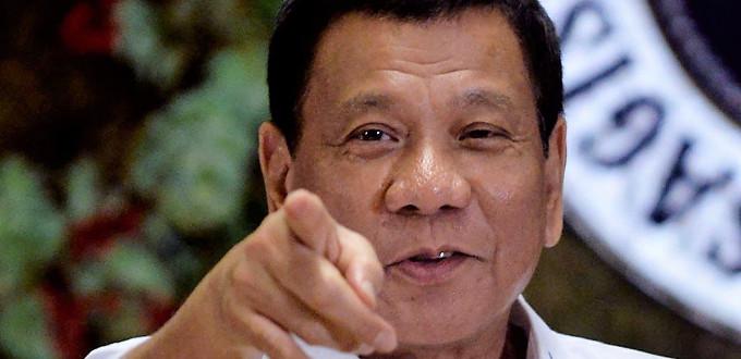 Duterte: «La Iglesia Católica debe ser culpada por los males del país»