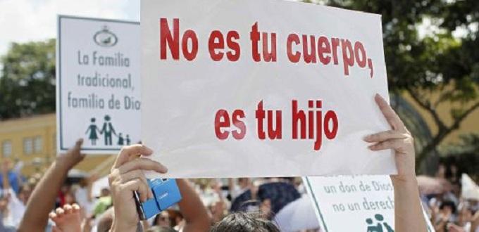 Frenan intento de legalización del aborto en México