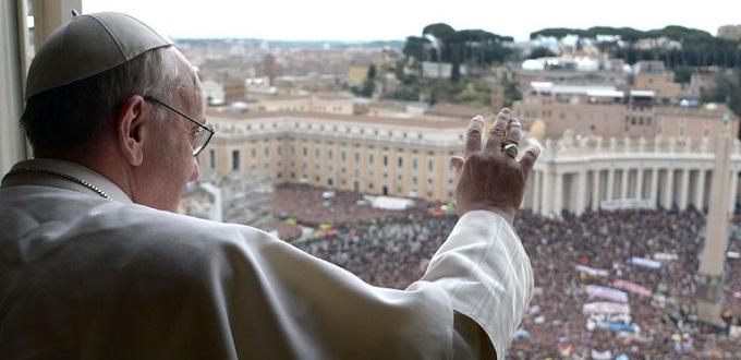 El Papa Francisco recuerda que en la Eucaristía Jesús alimenta nuestra fe, esperanza y caridad