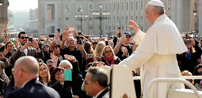 El Papa llama a dar testimonio de la esperanza cristiana con la propia vida