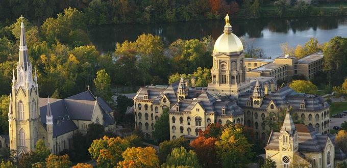 Universidad de Notre Dame condecora jesuita que defiende el «matrimonio» gay y el sacerdocio femenino