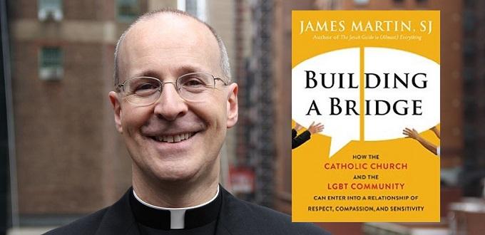 El jesuita James Martin promociona una organización que normaliza la transexualidad infantil