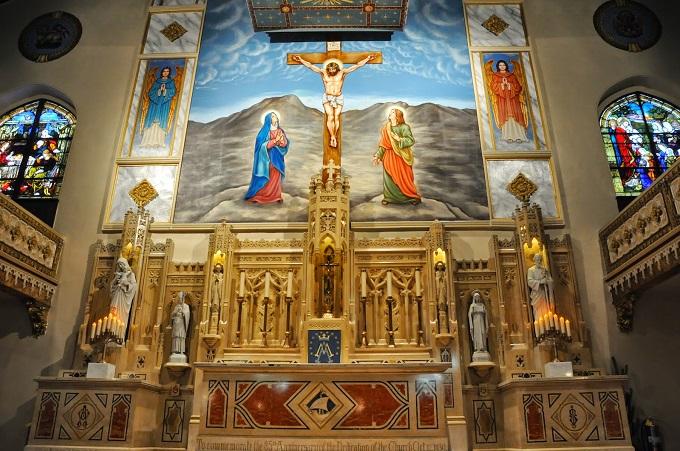 Interior de templo católico
