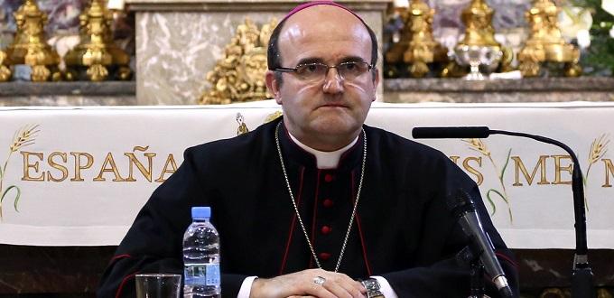 Monseñor Munilla pide «amonestación» para el jesuita James Martin