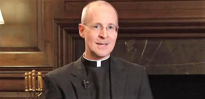 Roma y la Archidiócesis de Dublin invitan al jesuita pro-gay James Martin al Encuentro Mundial de las Familias