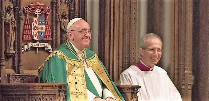 El Papa confirma a Mons. Guido Marini por otros cinco años como su Maestro de Celebraciones Litúrgicas