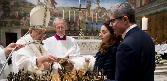 El Papa a los padres: «Vuestro deber es transmitir la fe por el dialecto del amor en vuestro hogar»