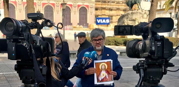 Pedro Mejías: «¿A quién daña una imagen que es histórica y símbolo de la concordia y la fe del pueblo?»