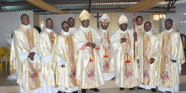 Obispos nigerianos publican dos obras catequéticas sobre la Familia y la Vida Humana