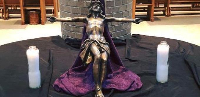 Recuperado y restaurado Cristo de bronce robado e intentado vender como chatarra