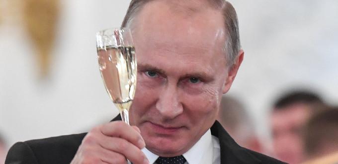Vladimir Putin arrasa en las presidenciales rusas