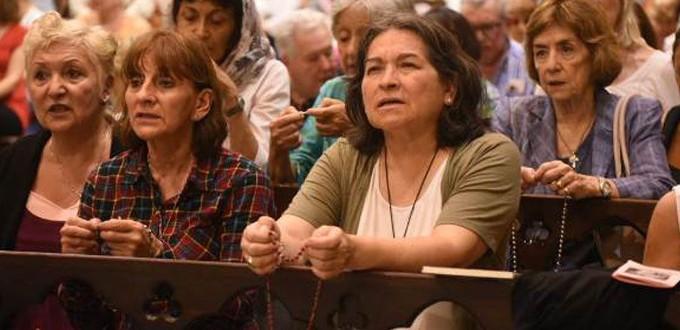 Católicos argentinos rezan el Rosario por la Vida en pleno debate sobre la ley del aborto