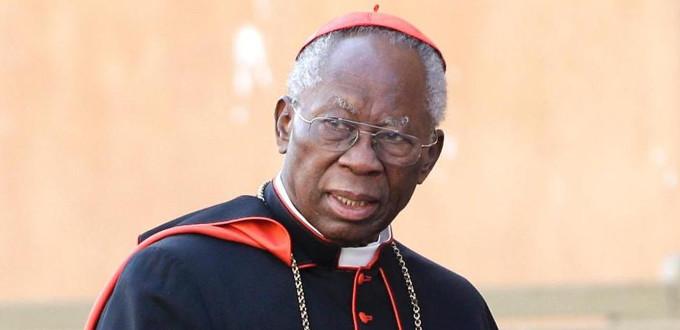 El cardenal Arinze se pronuncia en contra de la comunión de protestantes y de católicos adúlteros