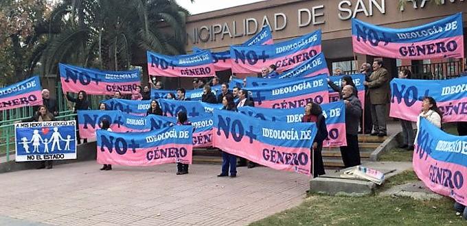 Chile: padres responsables mantienen viva su protesta contra el adoctrinamiento LGTBi de sus hijos