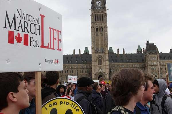 Marcha por la vida Canadá Ottawa