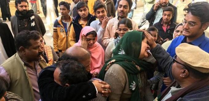 Disparan contra cristianos en Pakistán que querían volver a sus casas expropiadas