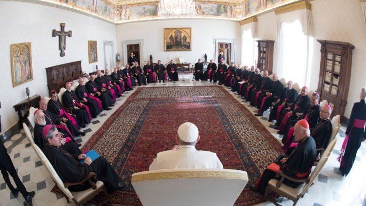 Los obispos de Chile se reúnen con el Papa para hablar sobre el tema de los abusos