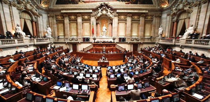El Parlamento de Portugal aprueba la ley que permite el cambio de sexo sin informe médico