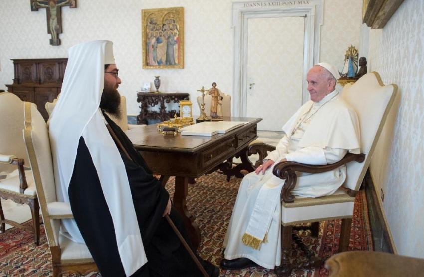 Papa Francisco: el sufrimiento de los cristianos perseguidos es una llamada a la unidad