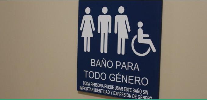 Castilla y León: baños mixtos y vestimenta según la identidad sexual elegida por los alumnos