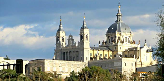 Año jubilar mariano en el 25 aniversario de la Catedral de la Almudena de Madrid