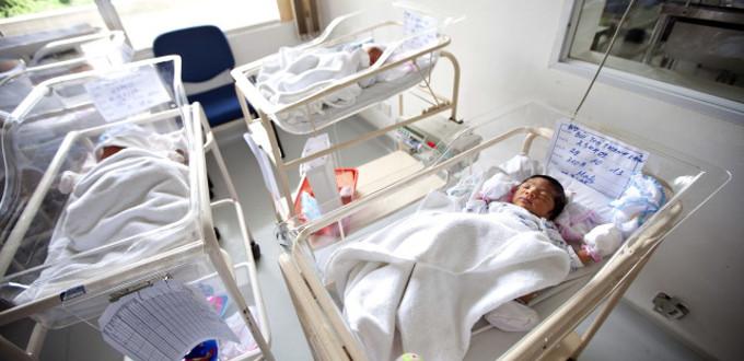 España: menos nacimientos, más defunciones