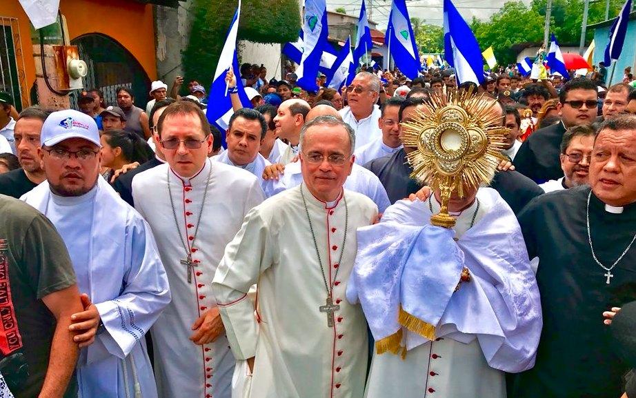 El nuncio y los obispos de Nicaragua detienen una nueva masacre