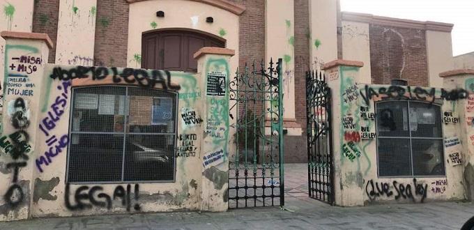 Atacan iglesia en Argentina