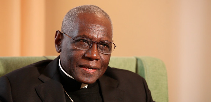 Cardenal Sarah: «A través de Humanae Vitae, la Iglesia solo transmite lo que ella recibió del mismo Dios»