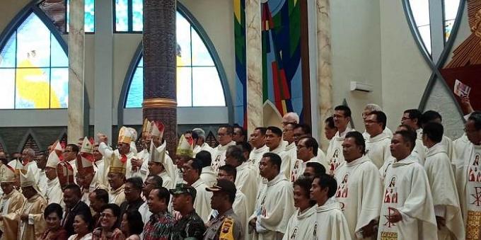 Alrededor 15.000 personas viajaron a Sanggau para la inauguración de la nueva catedral