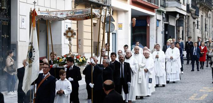 El cardenal Cañizares inaugura una capilla de Adoración Perpetua en Alcoy