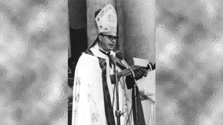 Obispo emérito castrense de Argentina también abriga dudas sobre la beatificación de Angelelli