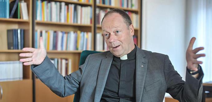 Roma niega la reelección como rector de la Universidad de St. Georgen a jesuita que defiende las uniones homosexuales