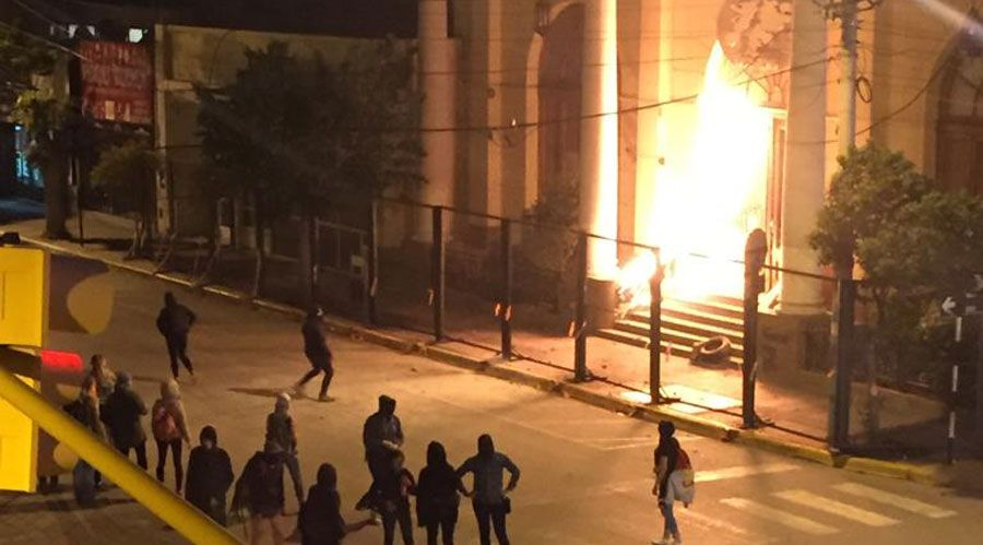 Obispos y laicos reaccionan al brutal ataque feminista en Trelew (Argentina)