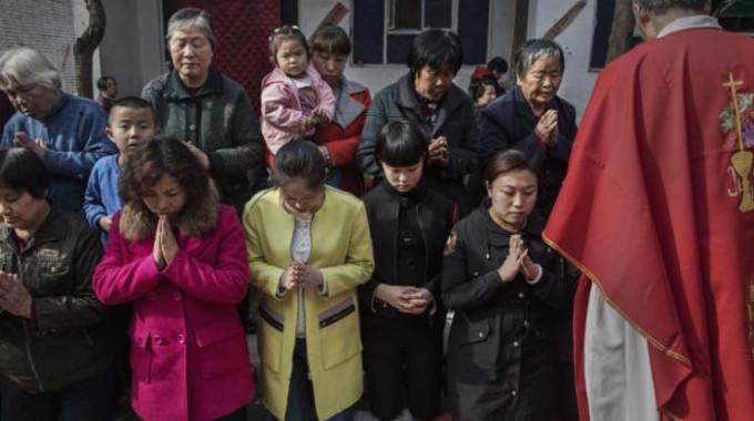 Carta de un joven católico chino: «No se olviden de la iglesia subterránea»