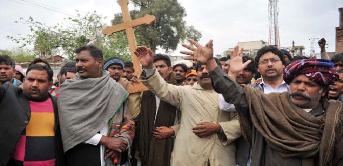 Los cristianos entre violencia sectaria e inestabilidad política