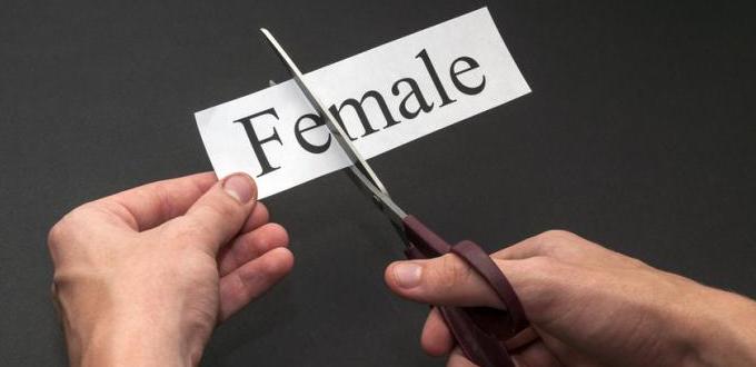 Profesor universitario castigado por negarse a usar pronombres trans se defiende