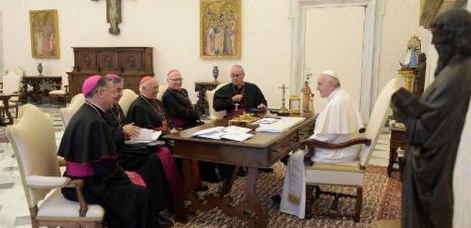 El Papa se reúne tres horas con el Comité Permanente del episcopado chileno
