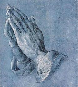 Arzobispo bielorruso explica cuál es la correcta postura corporal durante la oración del Padrenuestro en la Eucaristía