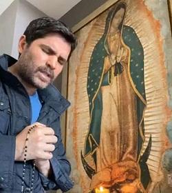 Eduardo Verástegui invita a que al menos 50 mil personas recen el Santo Rosario