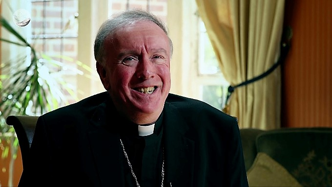 Mons. Egan: «¡Regresad! ¡Volved a Misa!»